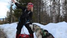Tonje Helene Blomseth feirer med juble og sprudlevann etter fem måneder på tur